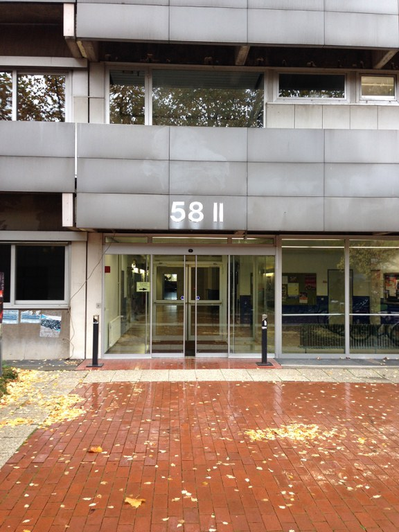 To find our offices use the main entrance II.