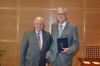 Wolfgang Weidner acknowledged with Order of Merit
