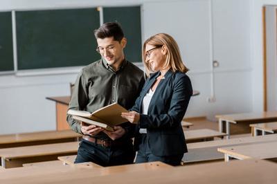 Professorinnen und Professoren (Foto: Colourbox.de)