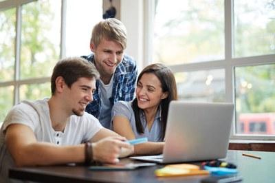 Studentische und wissenschaftliche Hilfskräfte (Foto: Pexels.com/Buro Millennial)